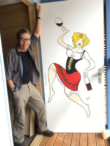 Ramses-mit-Weinfrau-Schliermer-Bar
